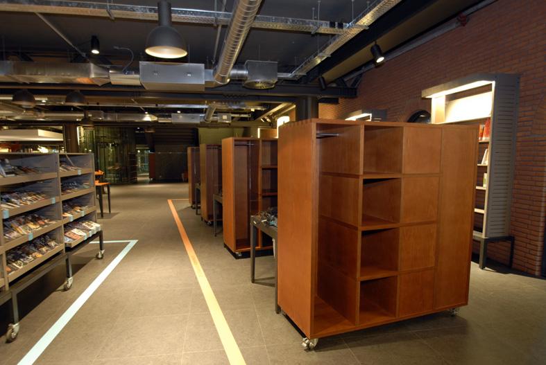 Uso de la madera en Mediateka Alhondiga - Azkuna Zentroa