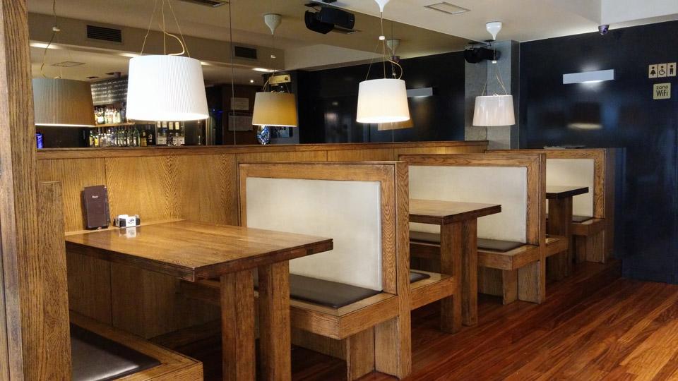 Interior del Bar Aker, en Areeta con ONN Arquitectura