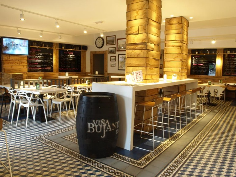 Bar Gozatu en la Plaza Nueva Bilbao
