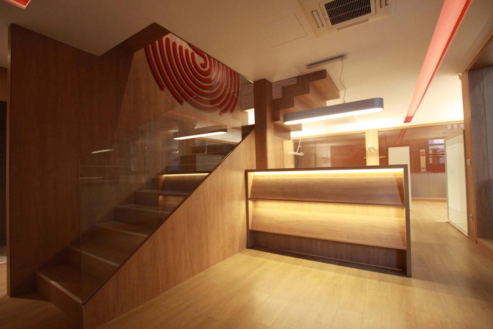 Escaleras de madera Sumelec Vizcaya S.L.