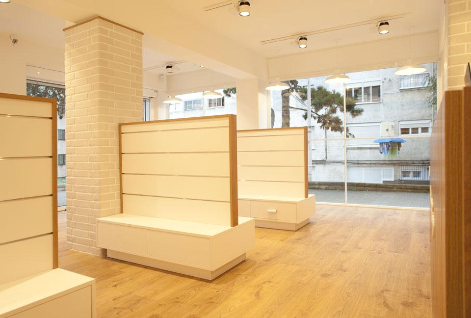 estanterias-farmacia-joseba-golvano