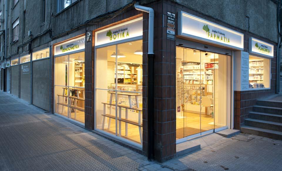 fachada-exterior-farmacia-joseba-golvano