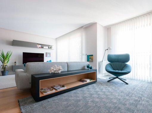 Muebles a medida para un salón de una vivienda de Bilbao.